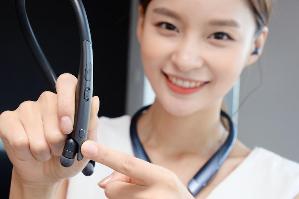 LG 的最新耳机支持一键启用 Google Assistant 和翻译功能
